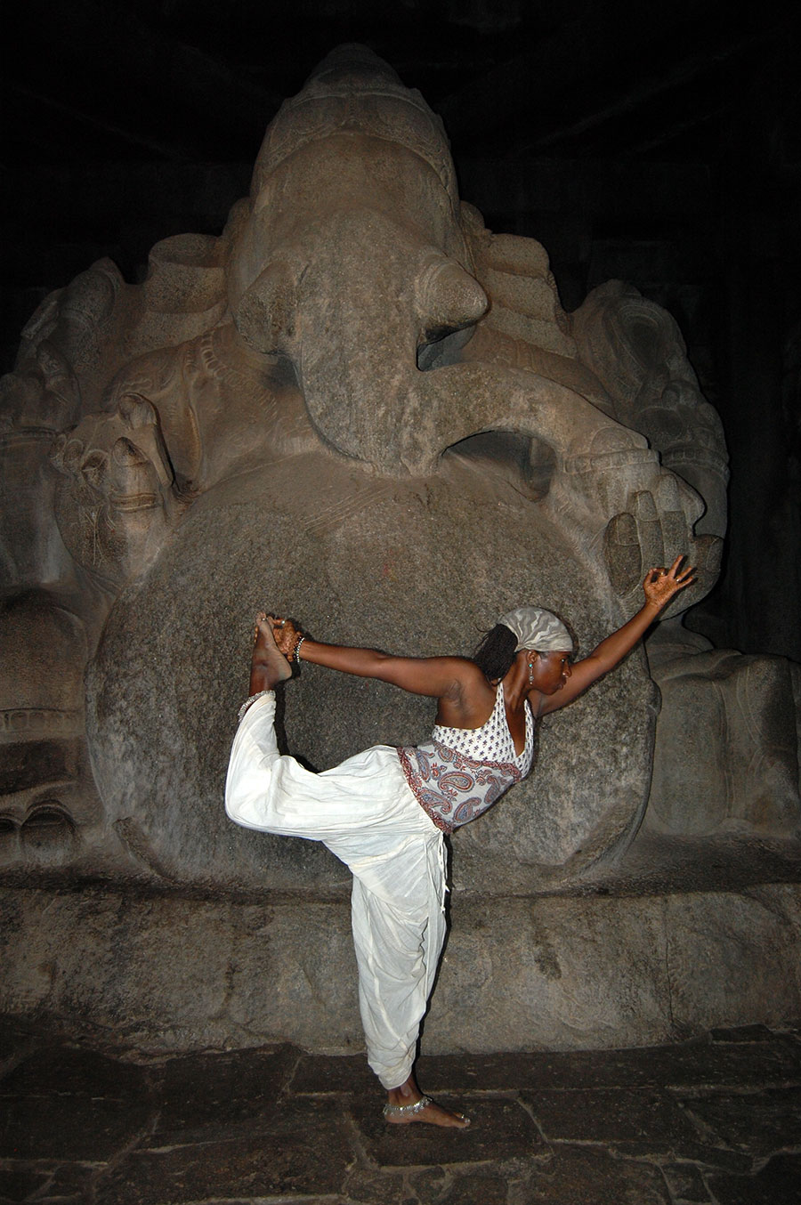 Janet Haughton Quarshie In A Yoga Pose In Front Of Lord Ganesh In Hampi